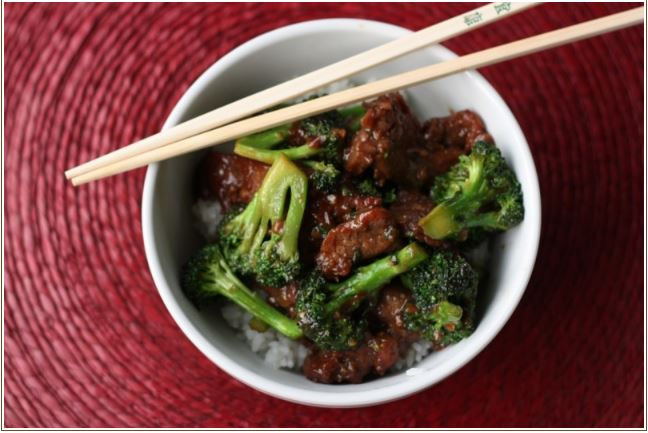 beef and broccoli in bowl