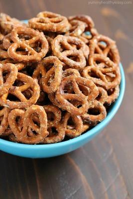 bowl of ranch pretzels